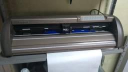 plotter de recorte gcc.  60 cm . corta  adesivos, papel, e.v.a. etc.