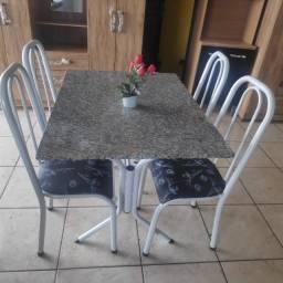 Título do anúncio: mesa 04 cadeiras grossas nova promoçao