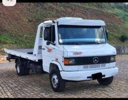 Título do anúncio: Caminhão MB 710. Ano 2007. Parcelo