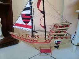 Lindo barco FLAMENGO de palito
