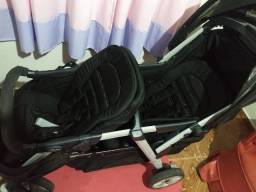 Título do anúncio: Vendo carrinho de bebê para gêmeos.