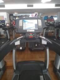 Esteira 95 T Elevation com TV marca Life Fitness - Goiânia - Goiás