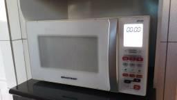 Microondas Brastemp 30L com Grill Dourador