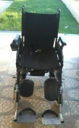 Cadeira de rodas motorizada semi nova meritis