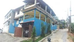 Casa no Cantagalo pertinho da praia . vendo ou troco