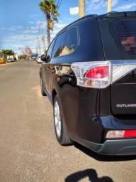 Mitsubishi Outlander - 2014
