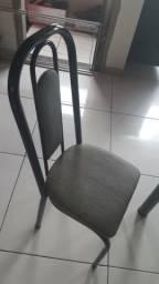 Jogo de mesa de vidro com cadeiras