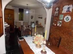 JBI66155 - Bancários Doutor Manuel Marreiros Casa Linear 3 Quartos Varanda 3 Vagas