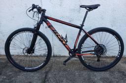 Vendo Bicicleta quadro First aro 29' Usada