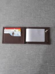 Cintos masculinos e carteiras em couro