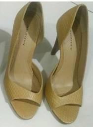 Sapato feminino alto