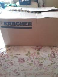 Máquina de limpeza a vapor. Karcher