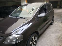 Vendo Fox 2010 BlackFox em excelente estado