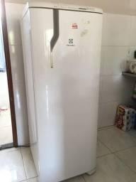 Título do anúncio: Refrigerador Electrolux  Frost Free