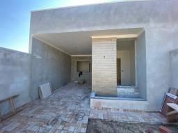 Lindas residências com 03 quartos (uma suíte) e otimo acabamento na V. Liane!!