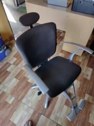 Título do anúncio: Cadeira de salão Domple