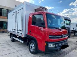 VW Delivery Express no baú refrigerado 2019