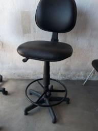 Título do anúncio: Cadeira pra caixa