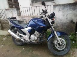 Título do anúncio: Moto fazer 250 2006