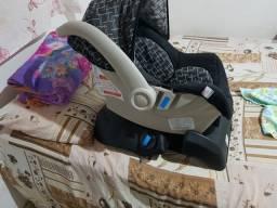 Vende-se Bebê conforto com suporte para carro