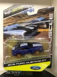 Miniatura 2015 Ford Mustang Gt 1/64 Maisto Design Muscle