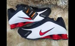 Nike shox 12R em uma super promoção