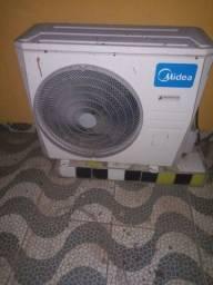 Vendo ar condicionado 24 mil BTUs funcionando perfeitamente R$ 1800