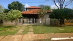 Bonito -ótima casa/estilo sobrado-preço abaixo do valor de mercado