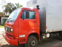 Aluga-se ou agrega-se caminhão bau 3/4 vw 6.90 - bertioga