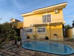 Casa 4 Dormitórios(1 Suíte Master), Lareira, Pátio c/ Piscina, Salão de Festas