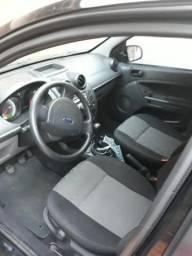 Ford Fiesta Preto ano 12/13 - 2013