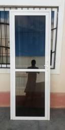Porta de vidro e Janela