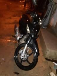 Vendo por 2000 ou troco por moto biz - 2013