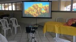Aluguel de Projetor ou TV em pedestal em Niterói