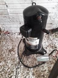 Vendo compressor pra encher pneus de carros ou de moto