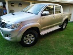 Toyota Hilux 3.0 SRV - Automática - 4x4 - 2012
