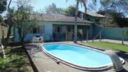 Casa com 3 quartos e com piscina a venda no Campeche em Florianópolis/SC