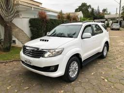 Hilux sw4 srv 4x4 7 lugares