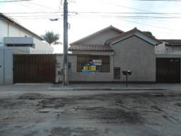 Casa para aluguel, 3 quartos, 1 vaga, Centro - Sete Lagoas/MG