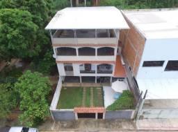 Casa Vila Rica vendo ou troco por apartamento em Guarapari.