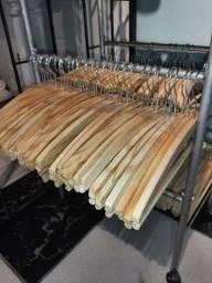 120 cabides de madeira