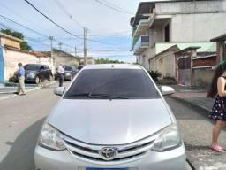 Título do anúncio: Toyota etios 1.5 xs ano 2014