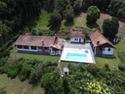 Sítio em Sebastiana com área de 28 mil m² com casa principal com 6 quartos.