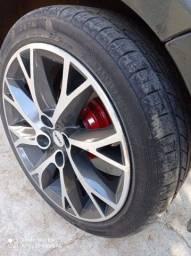 Indoidei vendo rodas 17 furo 4/108 pneu quase zero roda muito