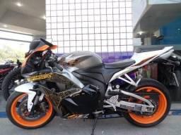 Moto Esportiva CBR 600RR (Barra) Leia a Descrição Completa