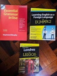 Livros e dicionário de Inglês