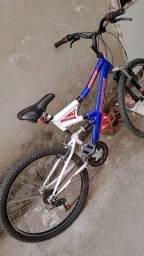 Bicicleta e caixa de som