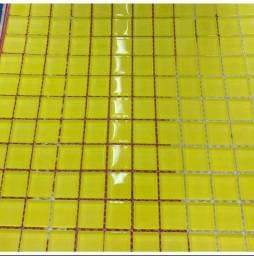 Título do anúncio: Pastilhas de vidro Cristal 2,3cm - Amarelo limão