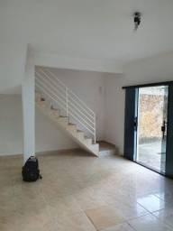 L435 - Casa Sobrado com 02 Quartos - Jardim Oriente