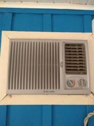 Ar condicionado Eletrolux - quente e frio